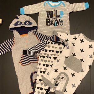 4 0-3 month rompers
